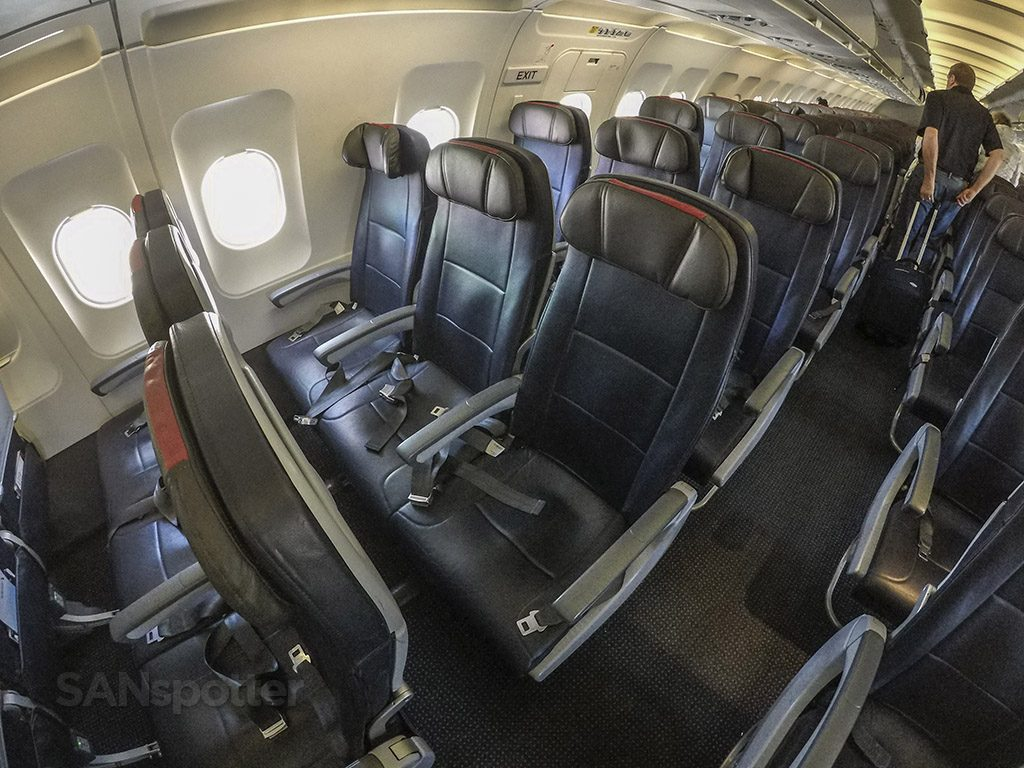 American Airlines A319 economy class SAN-MIA review