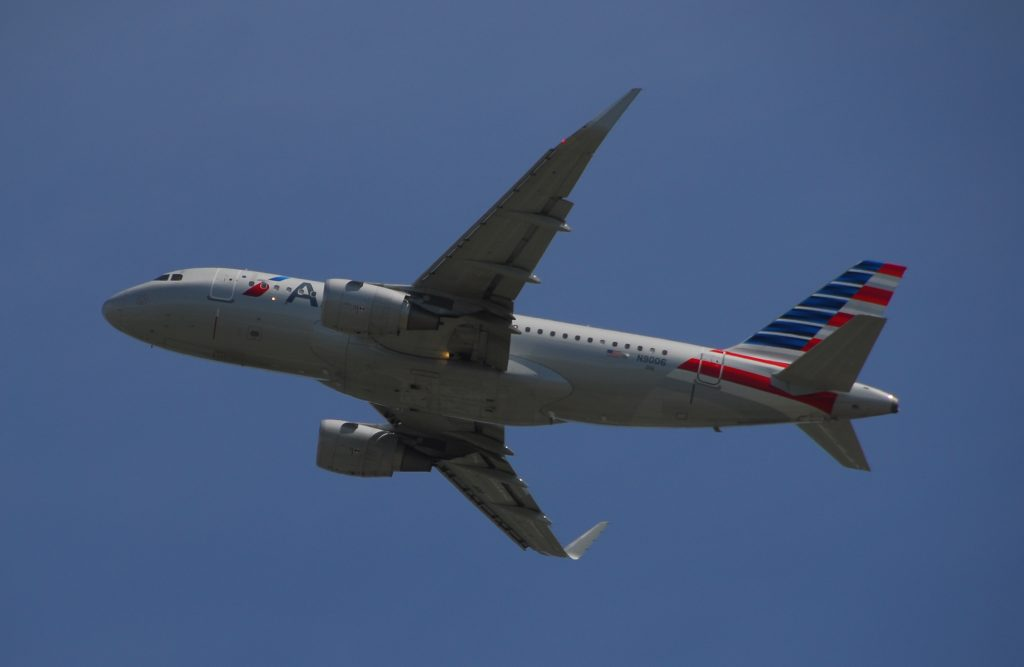 American Airlines Airbus A319-112 - N9006 - 006 - Flight AAL1038 from YYZ to DFW