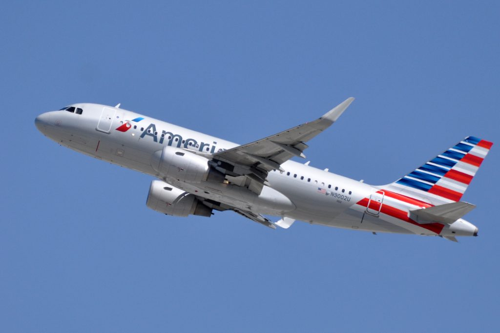 American Airlines, Airbus A319-115(WL), N9002U - LAX