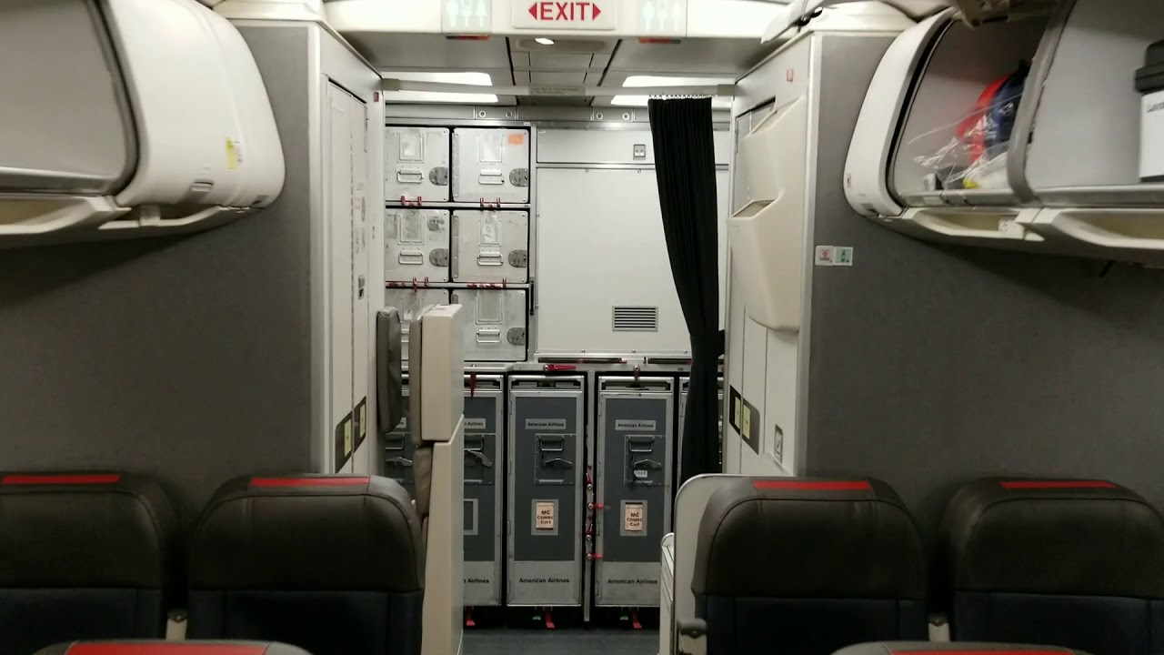 American Airlines Airbus A320-200 Cabin Interior Photos