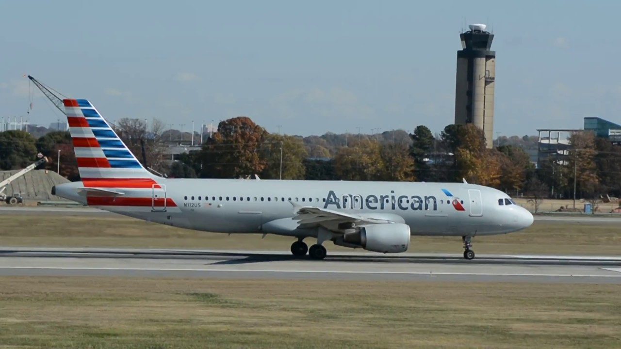 American Airlines Airbus A320-214 [N112US] Takeoff Charlotte CLT