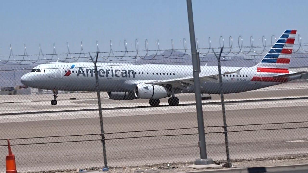 American Airlines Airbus A321-200 [N773UW] landing at Las Vegas (LAS:KLAS)