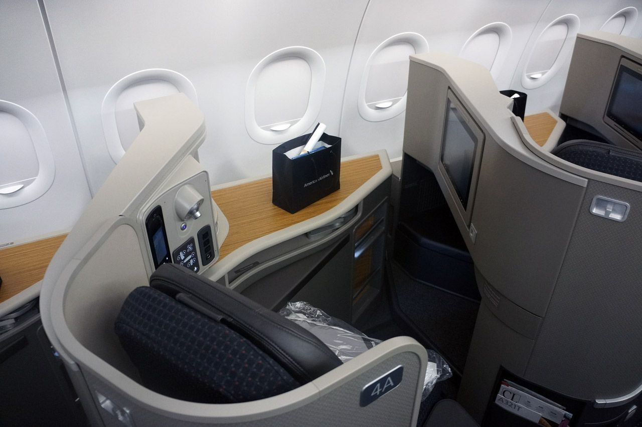 American Airlines Airbus A321T First Class w : Lay Flat Bed