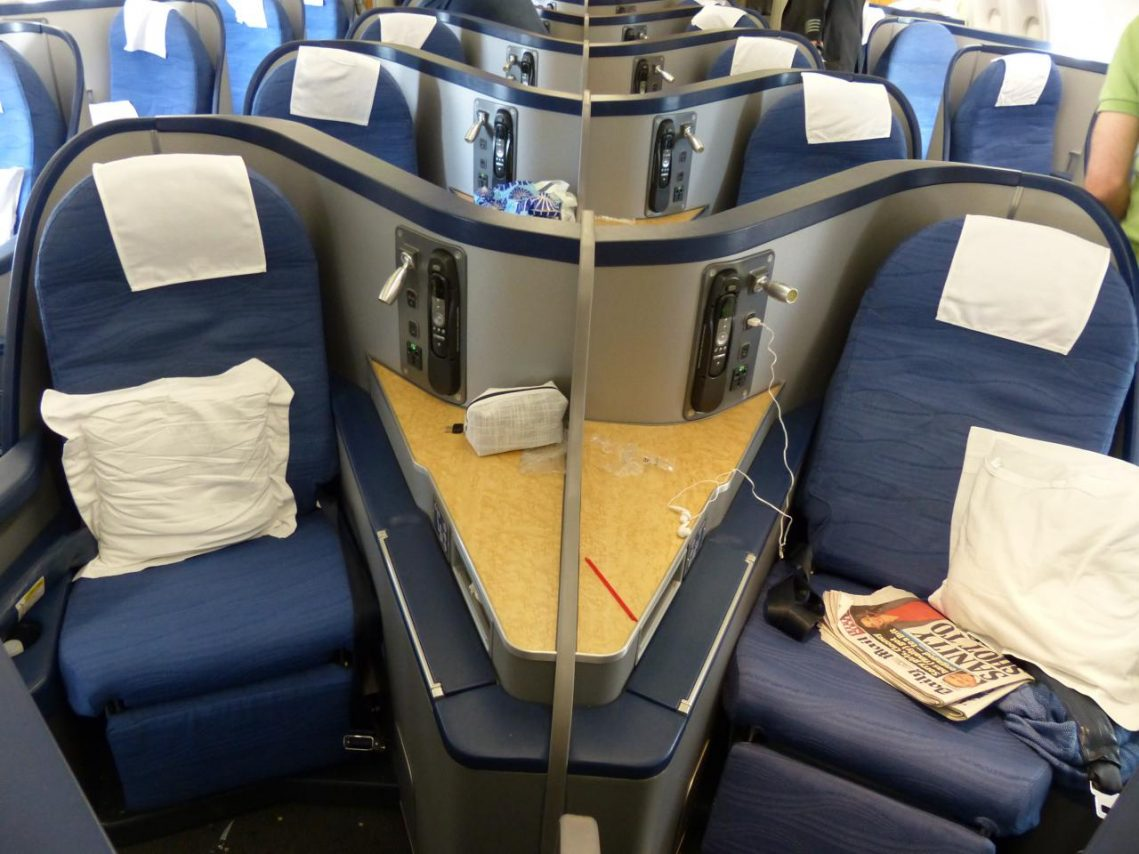 American Airlines Airbus A330-300 Business Class Cabin Seats Configuration