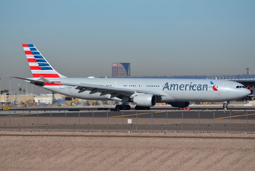 American Airlines Airbus A330-300 arriving into Phoenix Sky Harbor (KPHX) N278AY
