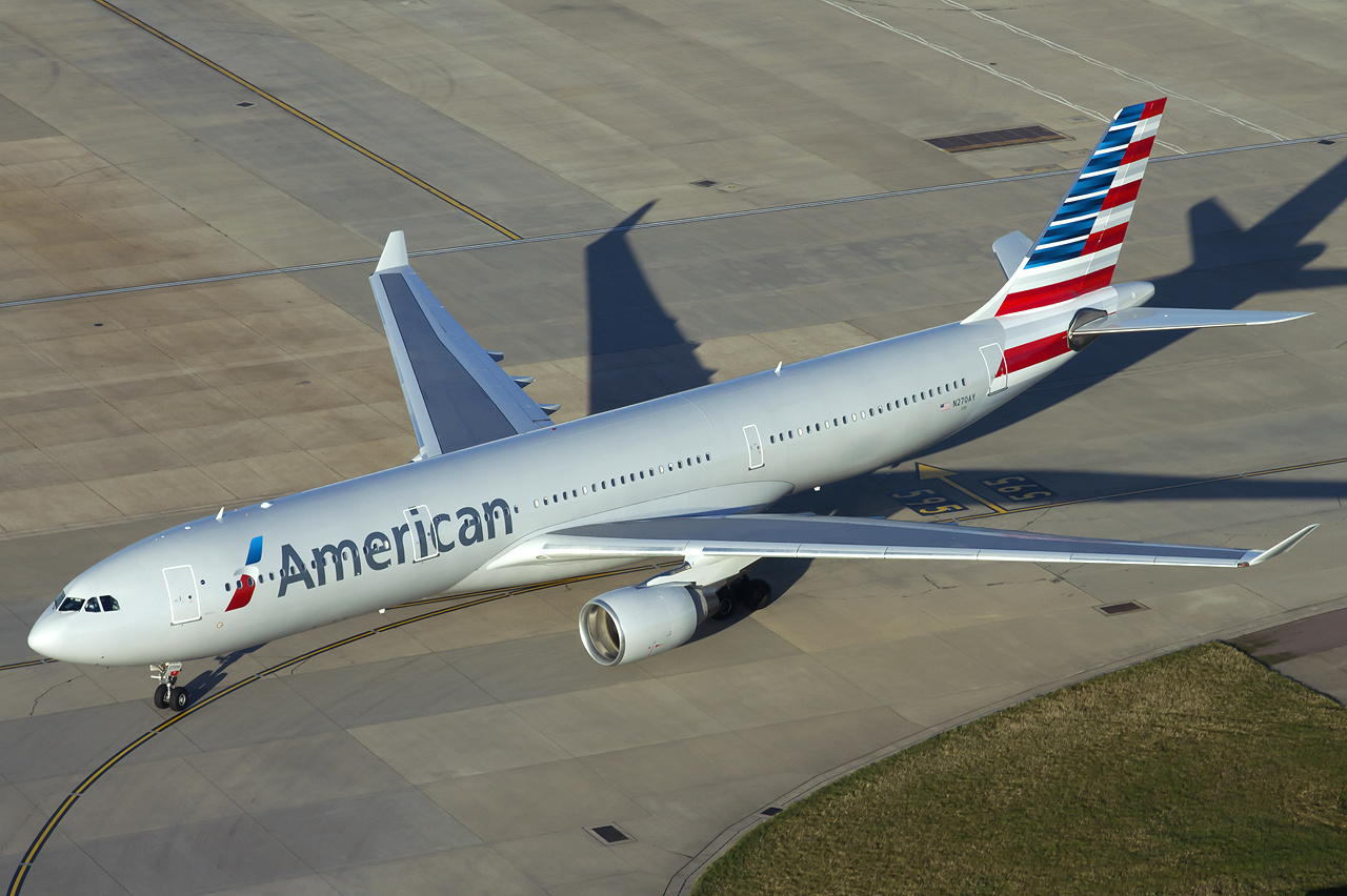 American Airlines Airbus A330-300 at Heathrow Airport