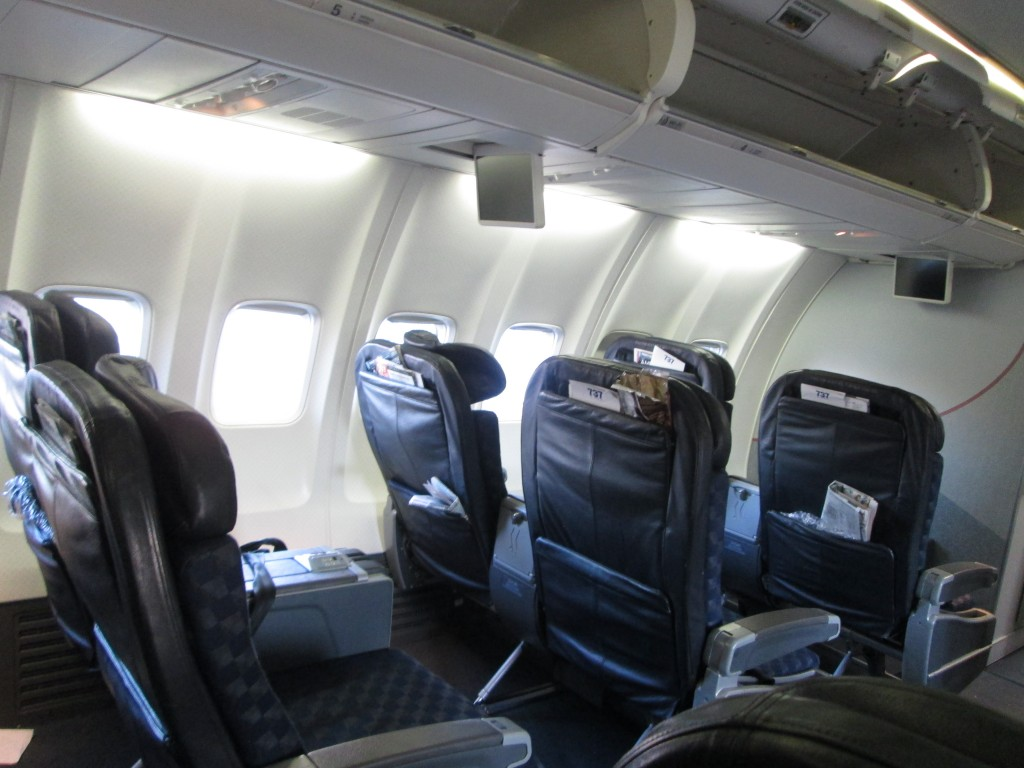 American Airlines Boeing 737-800 First Class Cabin Seats Photos