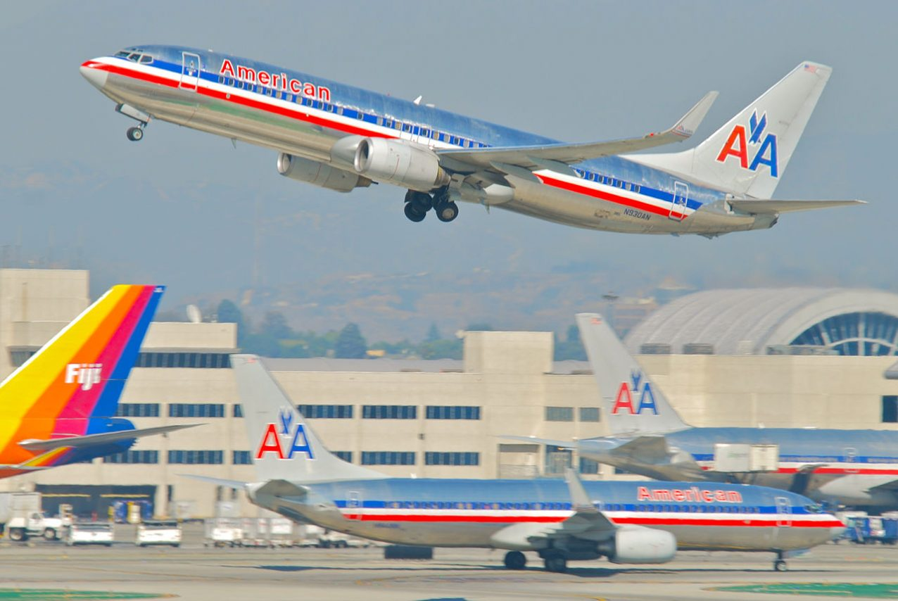 American Airlines Boeing 737-800; N930AN@LAX