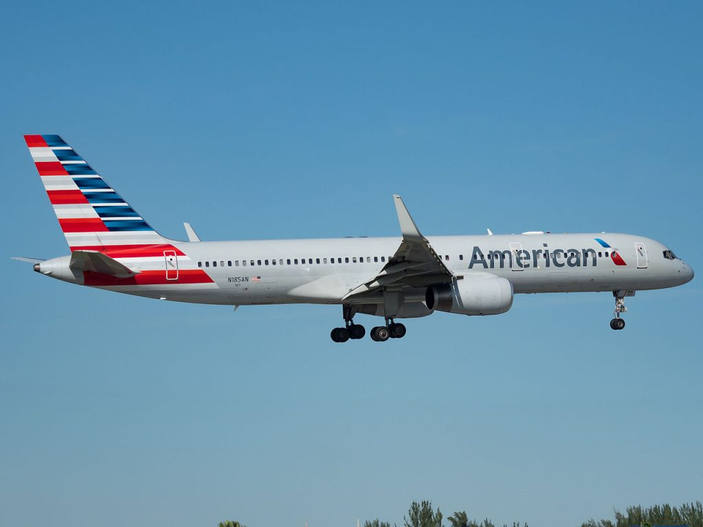 American Airlines Boeing 757-200 (N185AN) at Miami International Airport