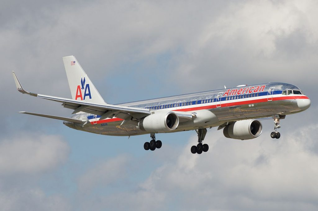 American Airlines Boeing 757-200 N191AN Short final Miami International Airport MIA