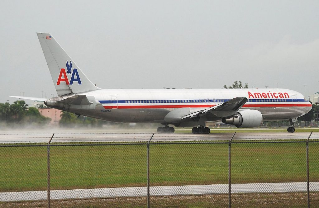 American Airlines Boeing 767-300; N352AA @MIA Miami International Airport