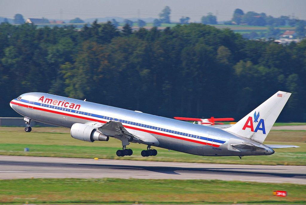 American Airlines Boeing 767-300; N393AN@ZRH Departing as AA 065 to New York JFK
