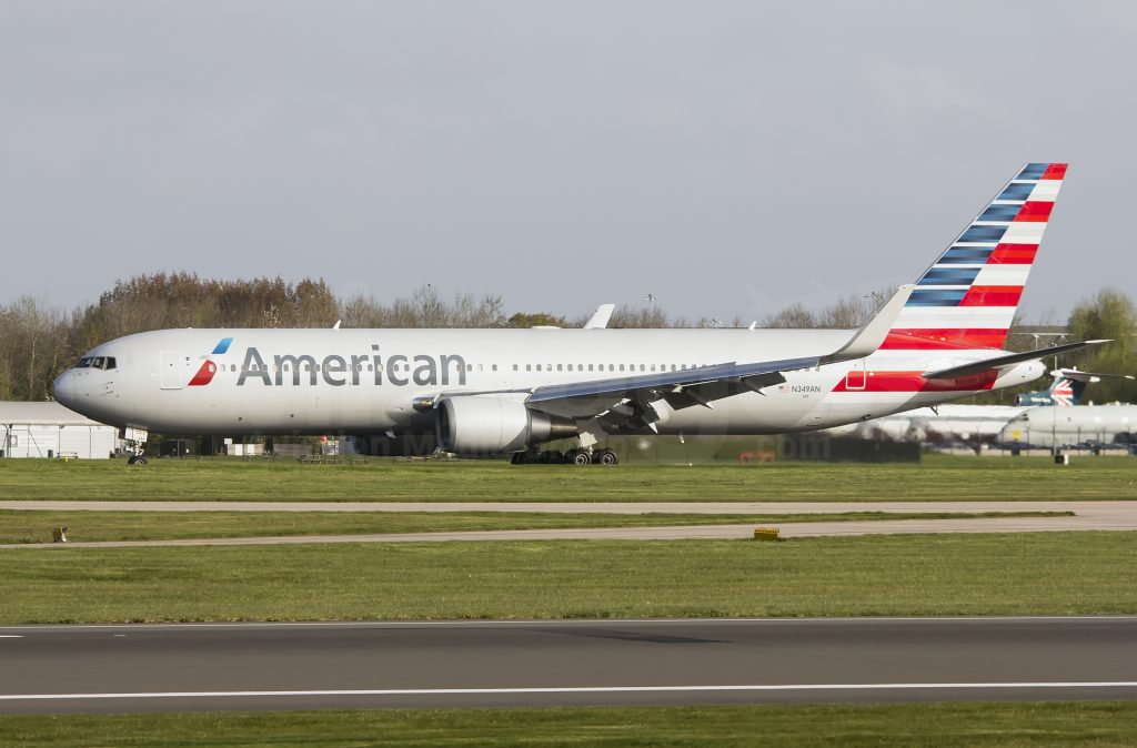 American Airlines Boeing 767-323(ER) N349AN Photos