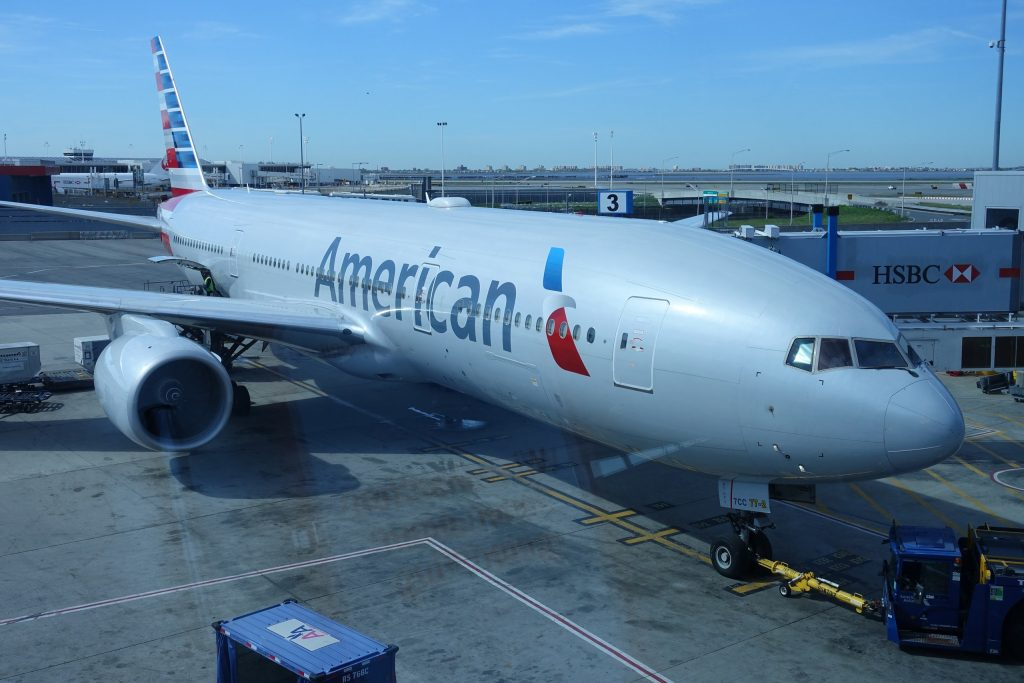 American Airlines Boeing 777-200 Boarding Gate Photos