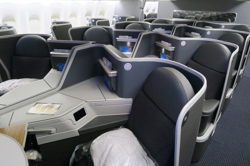 American Airlines Boeing 777-200ER Business Class Middle Seats Photos