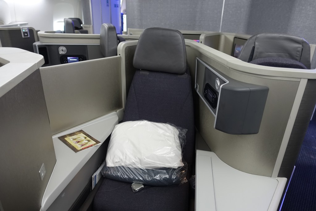 American Airlines Boeing 777-200ER Business Class Seats Photos