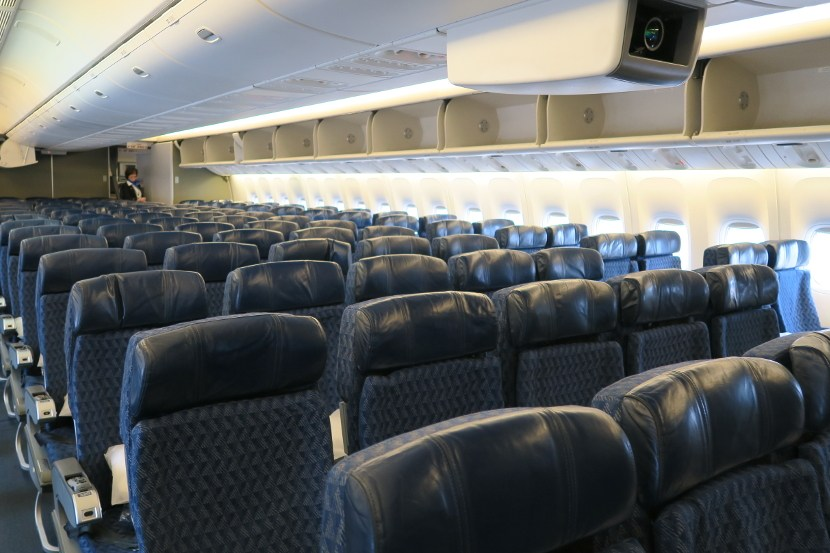 American Airlines Boeing 777-200ER Main Cabin Economy Class Photos