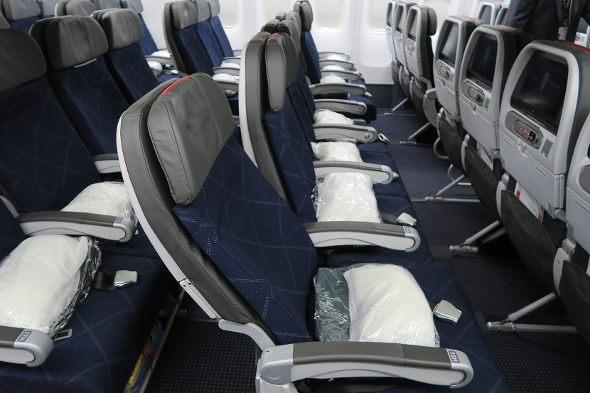 American Airlines Boeing 777-200ER Main Cabin Extra Seats Recline Photos