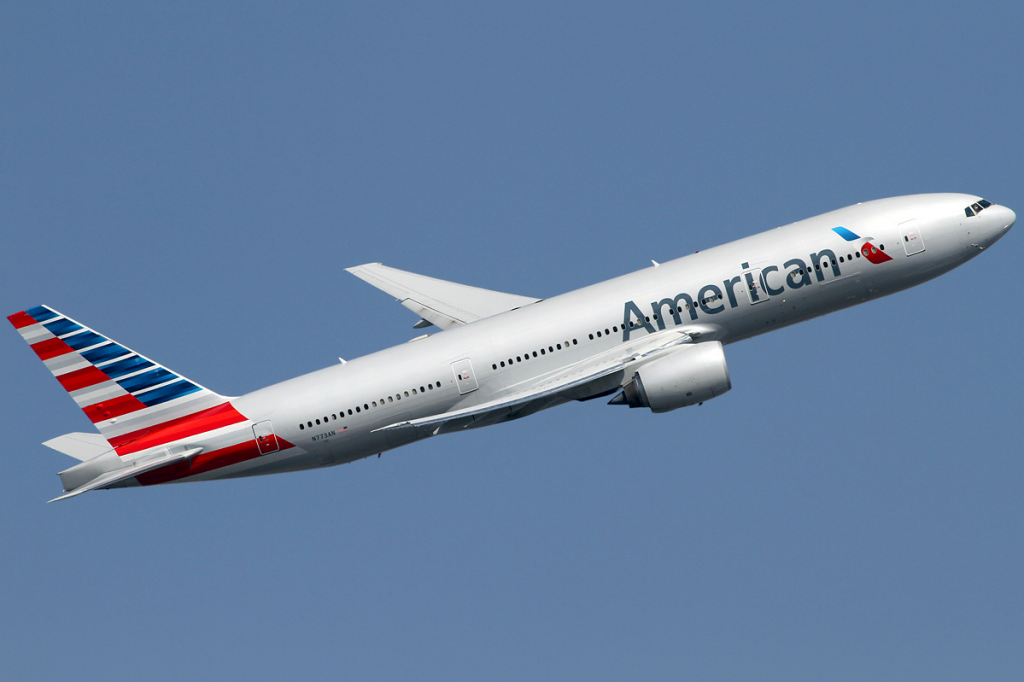 American Airlines Boeing 777-200ER N773AN departed from London Heathrow Airport (LHR : EGLL)