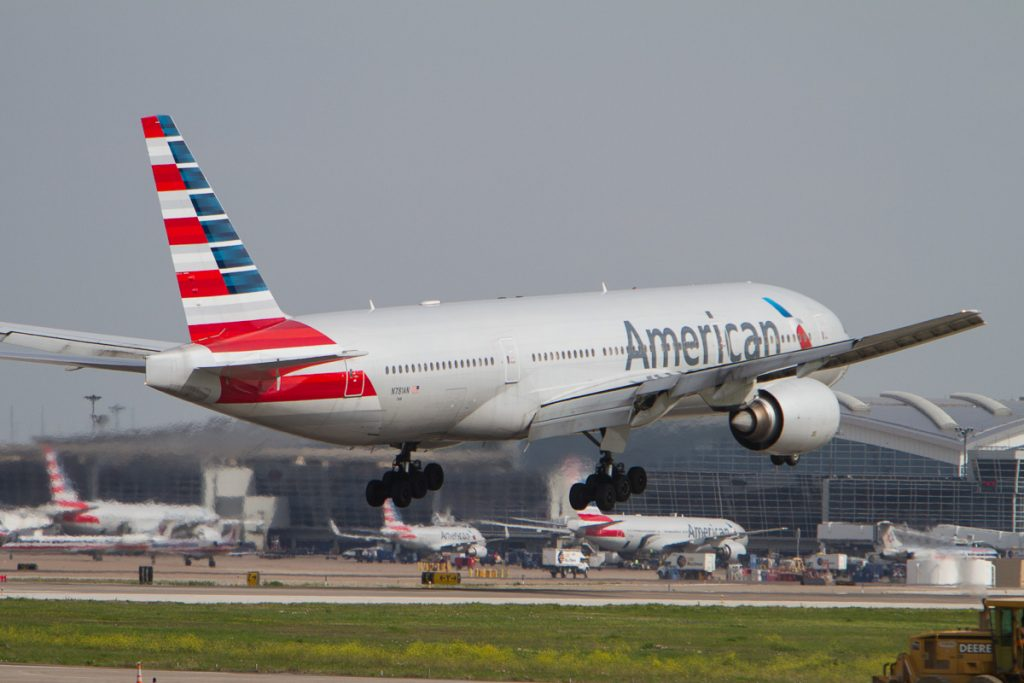 American Airlines Boeing 777-200(ER) N781AN touchdown at DFW Airport runway 18L