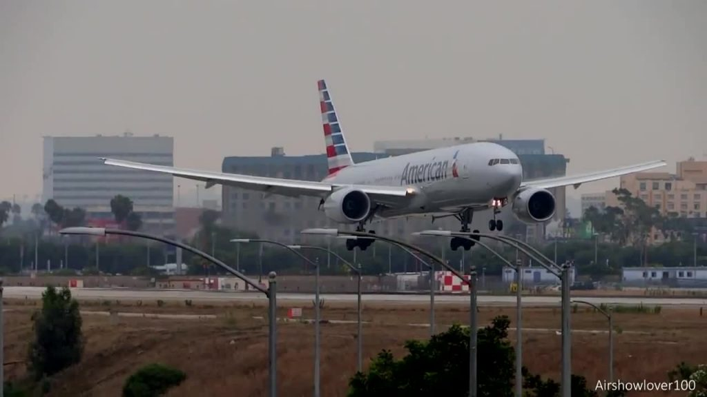 American Airlines Boeing 777-200ER New Livery Landing LAX @Airshowlover100