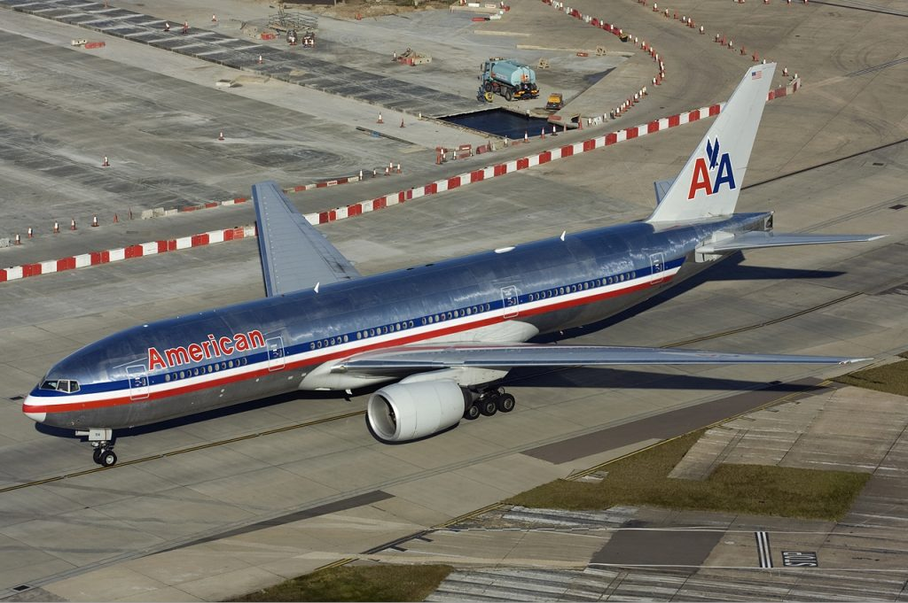 American Airlines Boeing 777-200ER Old Livery Photos