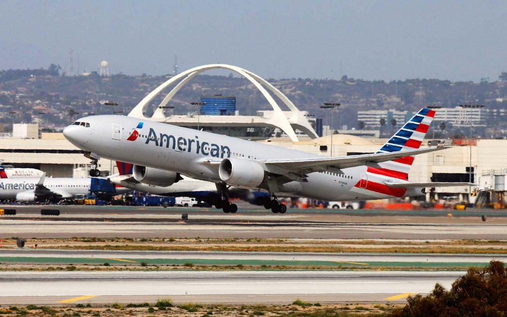 American Airlines Boeing 777-200ER take off at LAX