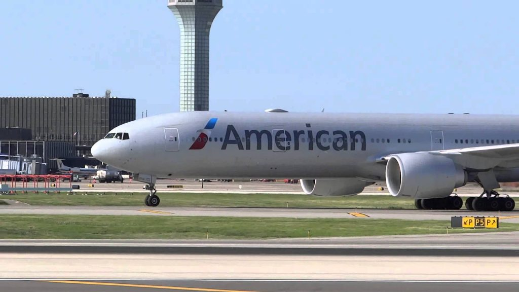 American Airlines Boeing 777-300ER (N723AN) At Chicago O'Hare International Airport