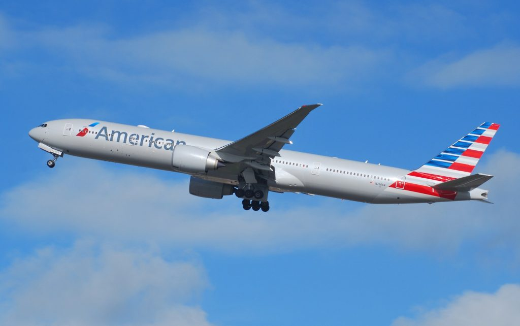 American Airlines Boeing 777-300ER N726AN Departing Heathrow