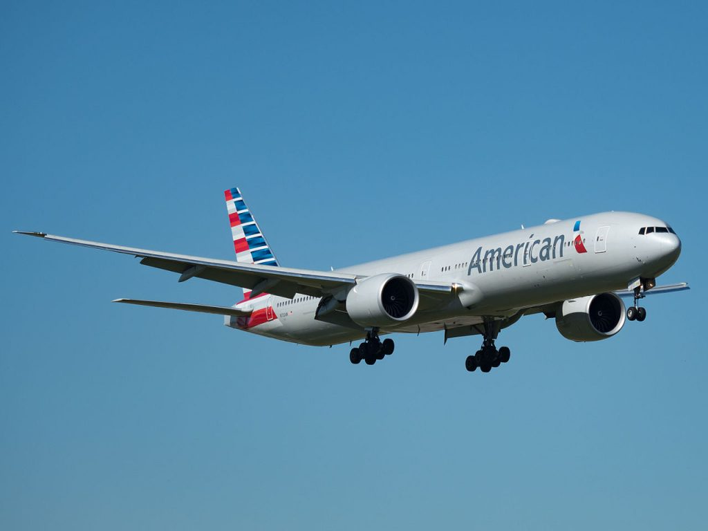 American Airlines Boeing 777-300ER (N732AN) at Miami International Airport