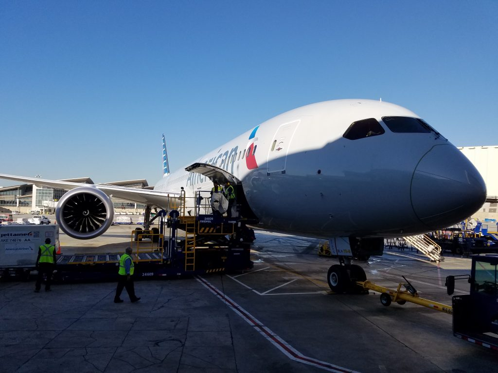 American Airlines Boeing 787-8 Dreamliner Aircraft Photos