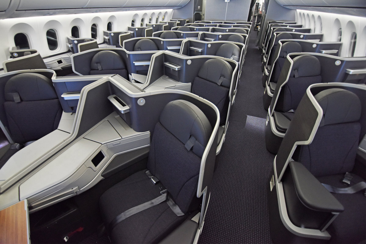 American Airlines Boeing 787-8 Dreamliner Business Class Cabin ...