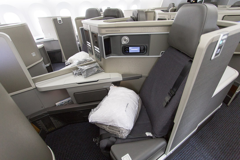 American Airlines Boeing 787-8 Dreamliner Business Class Forward-facing seats