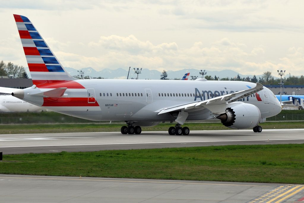 American Airlines Boeing 787-8 Dreamliner N805AN Photos