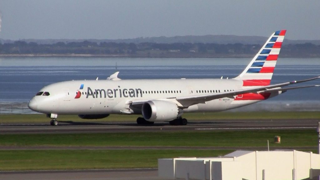 American Airlines Boeing 787-8 Dreamliner Takeoff Auckland Airport