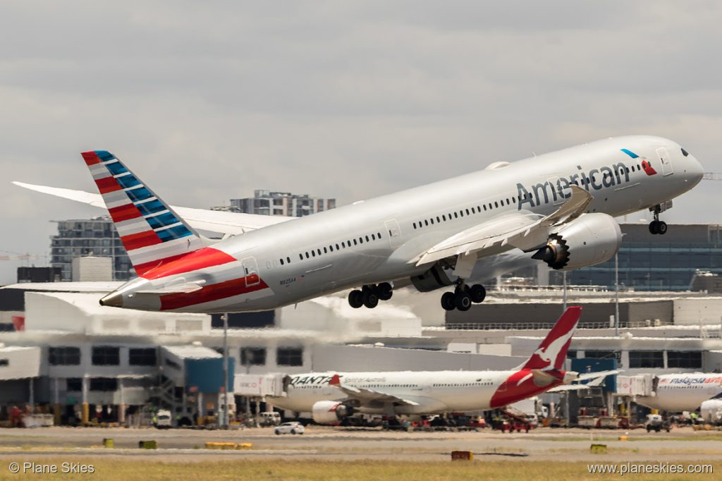 American Airlines Boeing 787-9 N825AA at Sydney Kingsford Smith International Airport (YSSY:SYD) @Plane Skies