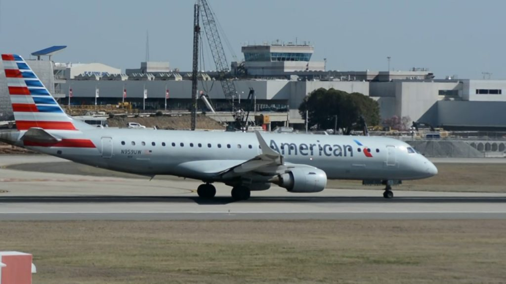 American Airlines Embraer E-190AR [N959UW] Takeoff Charlotte CLT