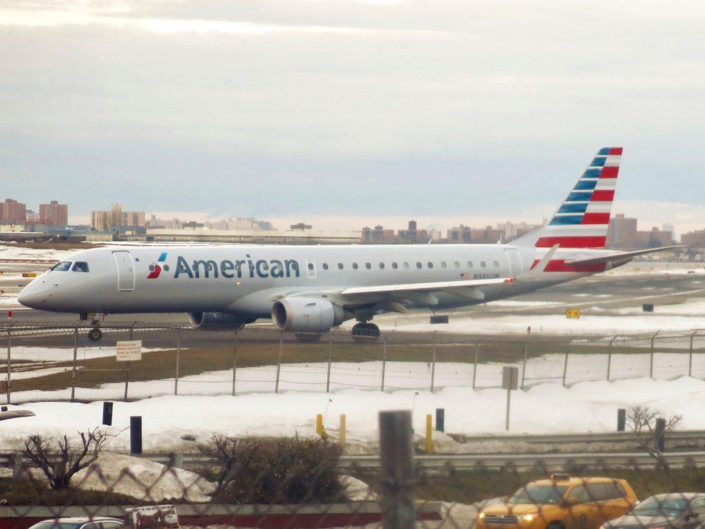 American Airlines Embraer ERJ-190-100 IGW N946UW LaGuardia Airport (LGA:KLGA)