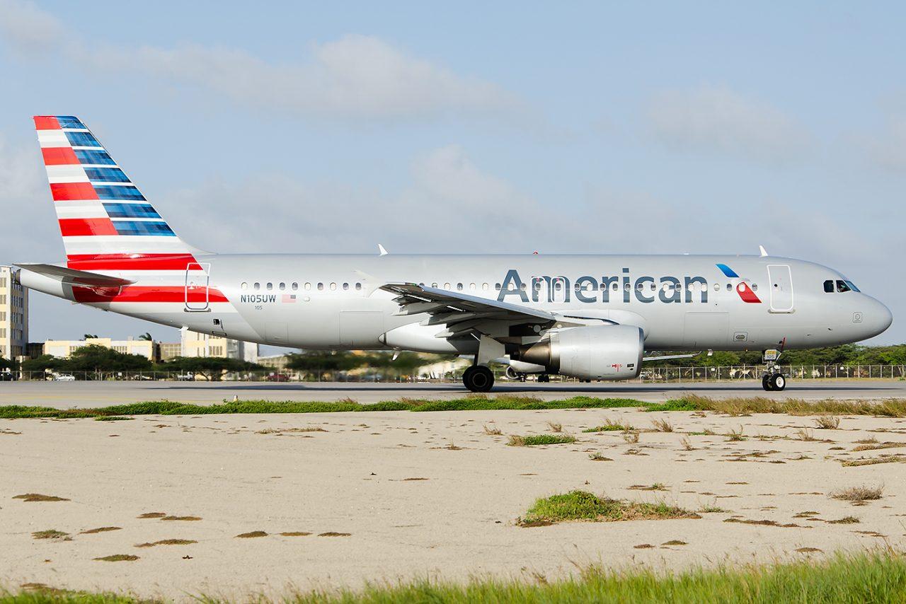 American Airlines Fleet Airbus A320-200 N105UW
