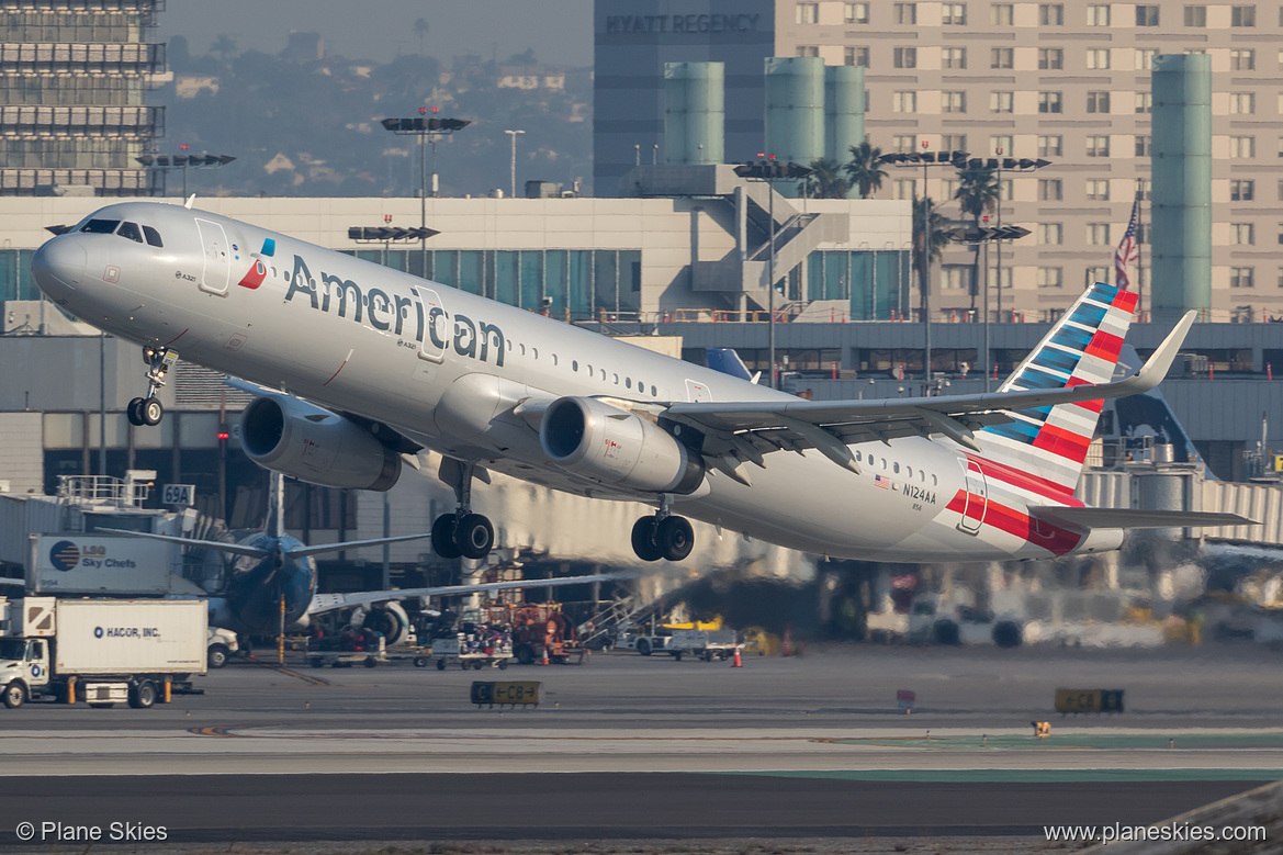 American Airlines Fleet Airbus A321-200 N124AA at Los Angeles International Airport (KLAX:LAX) @Plane Skies