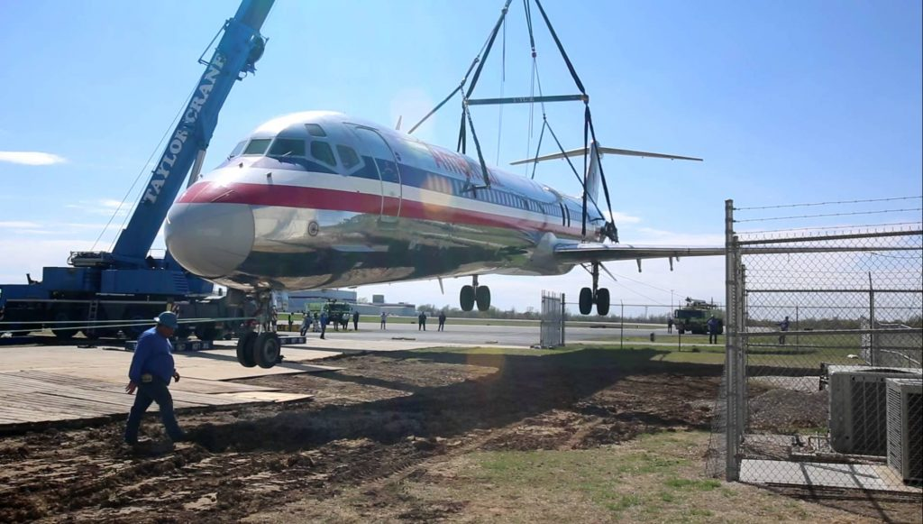 American Airlines MD-80 crane lift