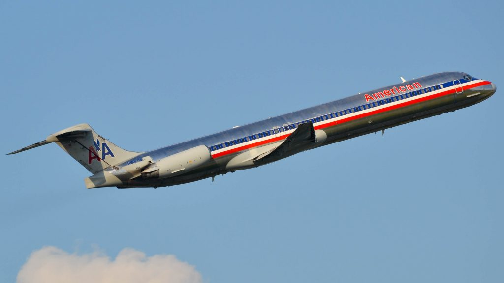 American Airlines McDonnell Douglas MD-80 N961TW Photos