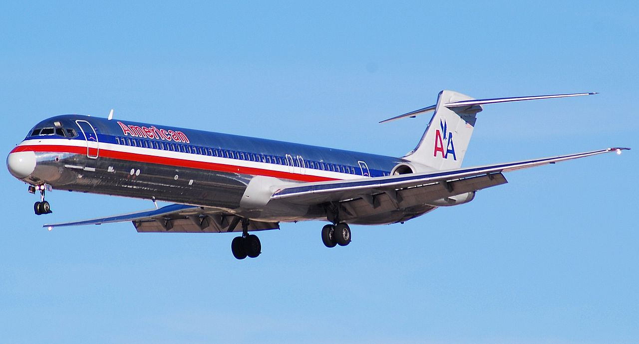 American Airlines McDonnell Douglas MD-80 Photos