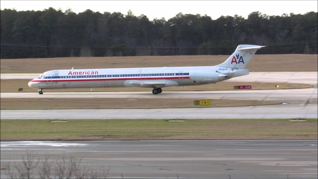 American Airlines McDonnell Douglas MD-80 landing at RDU