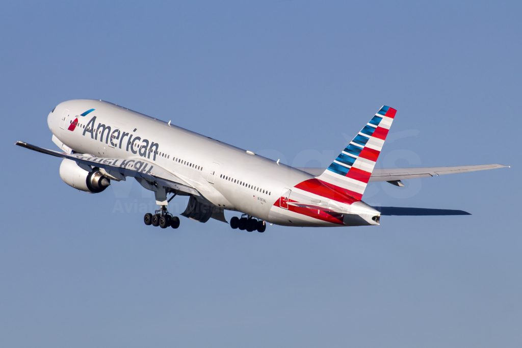 American Airlines Wide Body Boeing 777-223ER N787AL Photos