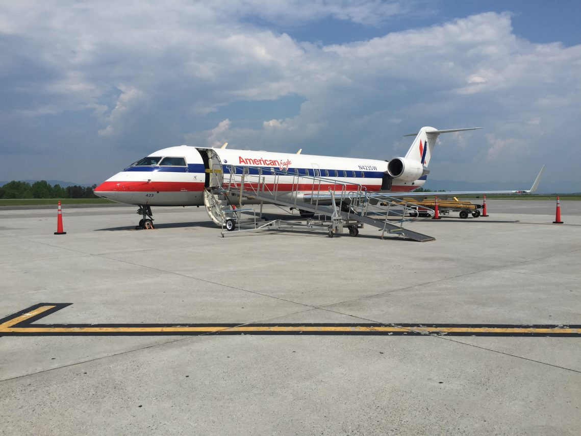 American Eagle Airlines Bombardier CRJ-200 N423SW Charlottesville to Chicago