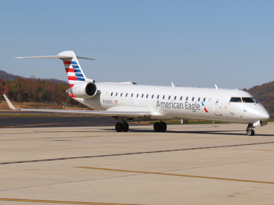 American Eagle Airlines Bombardier CRJ-700 N706PS Photos