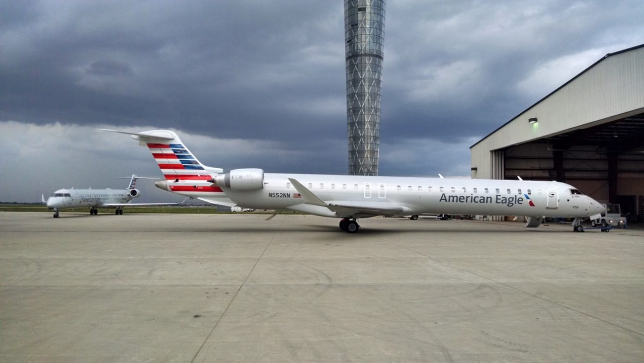 American Eagle Airlines Bombardier CRJ-900 N552NN Photos