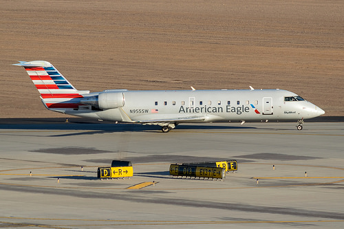 American Eagle Airlines : Bombardier CRJ200 : N955SW : KPHX