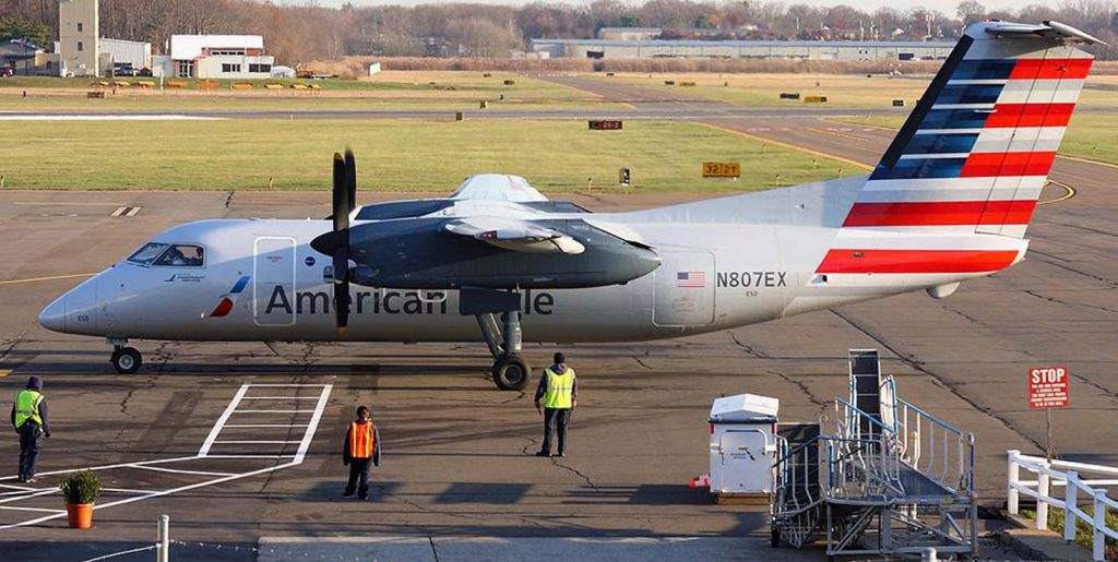 American Eagle Airlines Bombardier Dash 8-100 N807EX